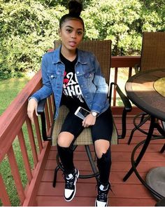 Look at more ideas about Styles clothes, Plunder outfits and Woman style. Chill Outfits, Dope Outfits, Trendy Outfits, Teenage Outfits, Outfits For Teens, Ropa Interior Calvin, Winter Outfits, Summer Outfits, Beach Outfits