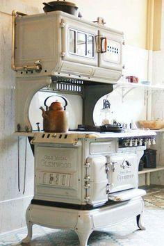1920s Gold Medal Glenwood stove