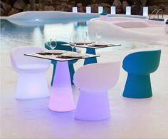 Mesa con luz ITACA CUADRADA LIGHT para uso exterior o interior, fabricado con polietileno de baja densidad y alta calidad con tapa superior de cristal.  70cm x 60cm x 60cm  http://www.ibergada.com/Mueble-Auxiliar/Exterior-Luz-LED?product_id=3500