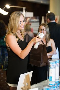 Andrea Bowen of Desperate Housewives. Observing the refillable O+ Shell.