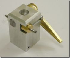 Quick retract toolpost for threading with the Taig lathe. Great design and can be adapted for my Unimat.