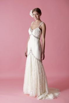 Vintage glamour wedding dress #vintage #weddinggown #Gatsby