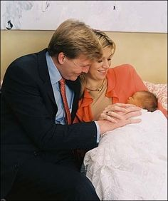 Crown Prince Willem-Alexander and Maxima with newborn Catharina-Amalia
