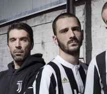 Juventus,ecco nuova maglia con nuovo logo eccola, qui, la nuova divisa della juventus con il nuovo logo. nei vari siti potete vedere la nuova maglia che la squadra bianconero indossera nella stagione 2017/2018. la juventus infatti ha deciso  #juventus #maglia #divisa #calcio #seriea