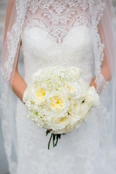 A monochromatic ivory bouquet will forever be timeless