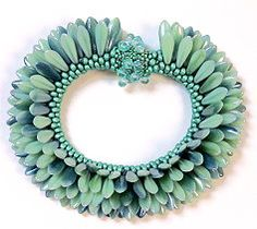 daffodil peyote | Daggers are for wearing! Bead crochet a stunning two-sided bracelet ...