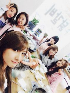 Apink (Bomi, Namjoo, Hayoung, Chorong, Eunji, Naeun)