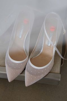 bridal shoes // sheer white wedding shoes with polka dots Pretty Shoes, Beautiful Shoes, Cute Shoes, Me Too Shoes, Daily Shoes, Shoe Boots, Shoes Heels, Flat Shoes, Flats