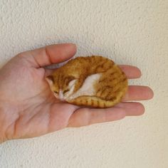 Felted Brooch, Animal Pin, Cat by GladOArt on Etsy https://www.etsy.com/ca/listing/476459795/felted-brooch-animal-pin-cat