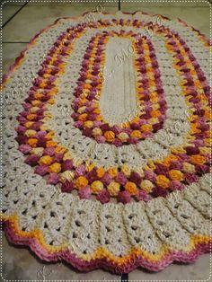 Tapete Oval Pipoquinha com brilho , tapete de crochê ponto pipoca, barroco brilho ouro