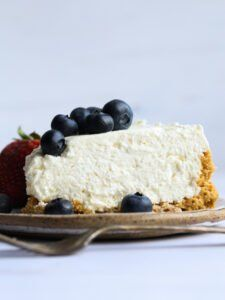 This extra creamy No Bake Cheesecake Recipe is so easy to make, fluffy and almost mousse-like with a thick, buttery graham cracker crust. Top with with fresh fruit, caramel sauce, or whipped cream! Sugar Cookie Cheesecake, Best No Bake Cheesecake, Creamy Cheesecake Recipe, Cheesecake Recipes, Cookie Recipes, Dessert Recipes, Chocolate Cheesecake, Chocolate Cake, Biscuit Cinnamon Rolls