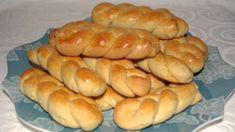 Sweet Buns, Sweet Pie, Greek Desserts, Greek Recipes, Koulourakia Recipe, Greek Cookies, Armenian Recipes, Easter Cookies, Hot Dog Buns