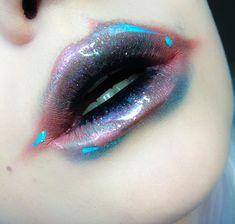 alien makeup CSF: Futuristisches Make-up Lip Art, Lipstick Art, Lipstick Colors, Lip Colors, Glossy Lipstick, Makeup Goals, Makeup Inspo, Makeup Art, Lip Makeup