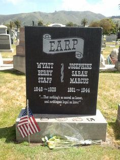 Wyatt Earp Burial: Hills of Eternity Memorial Park Colma San Mateo County California, USA Cemetery Monuments, Cemetery Headstones, Old Cemeteries, Cemetery Art, Graveyards, Famous Tombstones, Famous Graves, After Life, Le Far West