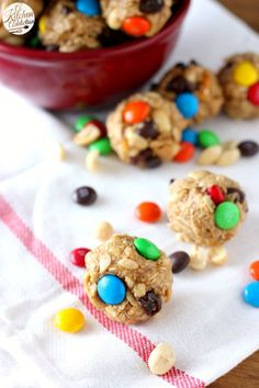 Quick and Easy Peanut Butter Chocolate Trail Mix Bites Recipe l www.a-kitchen-addiction.com