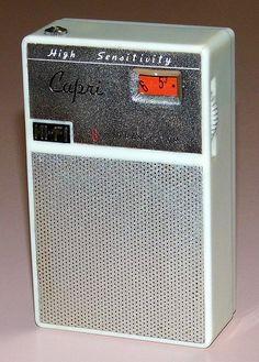 Vintage Capri Radio, No Model Number, Made In Japan. Radio Antigua, Pocket Radio, Slide Rule, Retro Radios, Transistor Radio, Record Players, Old Tv, Vintage Shirts, Vintage Advertisements