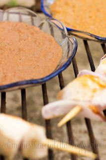 Spiedini di pollo con salsa mole alla mela e cioccolato  Chicken Skewer with Apple and Chocolate Sauce