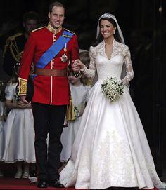 kate-middleton-wedding-dress-royal-wedding.jpg 618×712 ピクセル