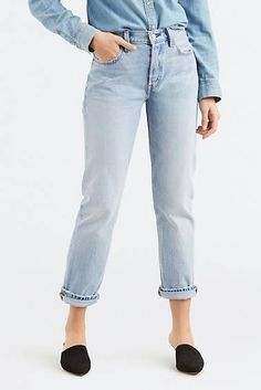 Calça Jeans Levis Feminina 501 Original For Women Azul Clara Ethical Fashion Brands, Ethical Clothing, Levis 501, Jeans Fit, Mom Jeans, Women's Straight Jeans, Ethical Shopping, Alternative Outfits, Used Clothing