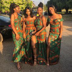 Long ankle length fabric gold and emerald green wedding theme. More from my siteHerzlichen Glückwunsch 💕Traditional Wedding Dress von __ Pho …African Print Fashion Dresses. Printed Bridesmaid Dresses, African Bridesmaid Dresses, African Wedding Dress, African Dresses For Women, African Attire, African Wear, African Fashion Dresses, African Outfits, African Clothes