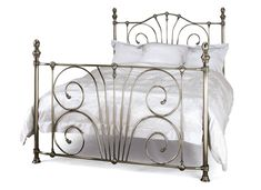 Small Double Beds Online in Wooden, Metal and Fabric