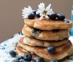 Top Συνταγή: Pancakes Καρύδας με Bατόμουρα!