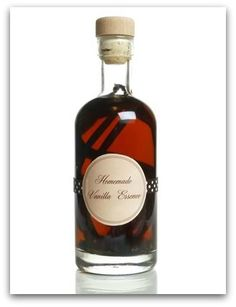 Learn how to make vanilla extract with these step-by-step instructions. Our recipe is for full-strength vanilla extract, unlike some we& seen which will just give you vanilla-scented vodka. Homemade Birthday Gifts, Homemade Gifts, Homemade Food, Mason Jar Meals, Meals In A Jar, Jar Gifts, Food Gifts, Vanilla Extract Recipe, Holiday Gifts
