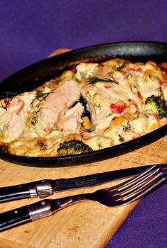 Piersi kurczaka zapiekane z warzywami pod serowo-majonezową pierzynką Kiwi, Pork, Meat, Tableware, Kale Stir Fry, Dinnerware, Tablewares, Dishes, Place Settings