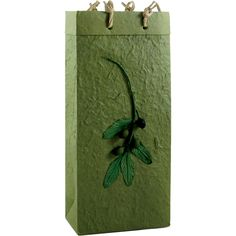 Olive oil bags designed to accommodate your olive oils, vinegars and much more. Made of our beautiful olive handmade paper, these two bottle bags with compartment separators have a beautiful olive branch accent. These bags are eco-friendly, sustainable and reusable. Patent Pending. - See more at: http://www.bellavitabags.com