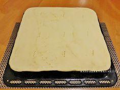 Raspberrybrunette: Francúzsky krémeš Sheet Pan, Plastic Cutting Board, Springform Pan