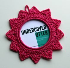 New to UndercoverOtterYarn on Etsy: Pink Crochet Picture Frame (5 cm / 2 inches) - Ready to Ship (5.50 EUR)