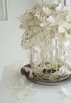 Beautiful paper sculpture by Yuriko Kaneko