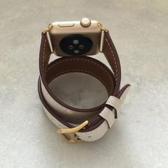 Ivory Double Wrap Apple Watch Band by Juxli Home. Handmade, stylish leather strap with rose gold hardware on a Apple watch. Apple Watch Leather, Rose Gold Apple Watch, Apple Watch Series 2, Apple Watch Bands, Apple Watch Fitness, Rose Gold Watches, Beautiful Watches, Gold Hardware, Ivory