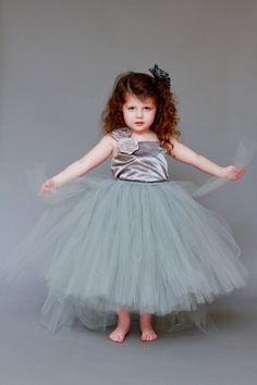 cdf70d0f0 Flower girl dress? In purple of course! Girls Tutu Dresses, Tutu Outfits,