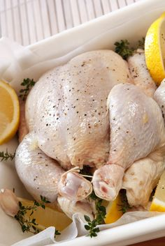 Pollo al horno con tomillo y limón Chicken Recepies, Baked Chicken Recipes, Roasted Chicken, Good Healthy Recipes, Paleo Recipes, Snack Recipes, Cooking Recipes, Snacks, Lemon Thyme Chicken