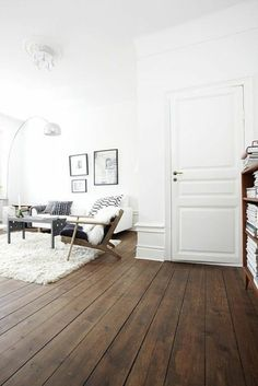 bring home in modern style with parquet Source by MarcelLePhilou Wooden Floors Living Room, Bedroom Wooden Floor, White Wooden Floor, White Wall Bedroom, Bedroom Flooring, White Walls, Dark Floor Living Room, Living Room Styles, Living Room Designs