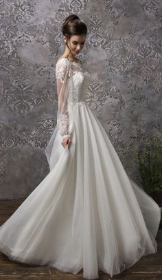 Courtesy of Amelia Sposa Wedding Dresses