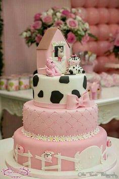 Baby animals farm birthday parties 58 Ideas for 2019 Cow Birthday Parties, Farm Birthday Cakes, Farm Animal Birthday, Cowgirl Birthday, Birthday Cake Girls, 1st Birthday Girls, Birthday Ideas, Cow Cakes, Farm Cake