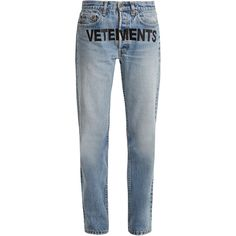 Vetements X Levi's logo-embroidery low-rise wide-leg jeans ($1,590) ❤ liked on Polyvore featuring jeans, pants, bottoms, jeans/pants, vetements, denim, frayed denim jeans, faded jeans, wide leg jeans and blue denim jeans