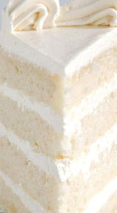 It is possible to make velvety, soft white cake from scratch. How you mix the cake makes a big difference. By using the reverse creaming technique you'll get a white cake with a tender and moist crumb. Cupcake Recipes, Cupcake Cakes, Dessert Recipes, Sweets Cake, Frosting Recipes, Just Desserts, Delicious Desserts, White Cakes, White Velvet Cakes