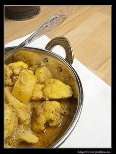 Cauliflower Gashi – Blumenkohl-Kartoffel-Curry | Foodina