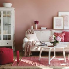 Tríos de colores que transforman tu salón Ux Design, Interior Design, Decor Styles, Love Seat, Sweet Home, Wall Decor, Cozy, Decoration, Inspiration