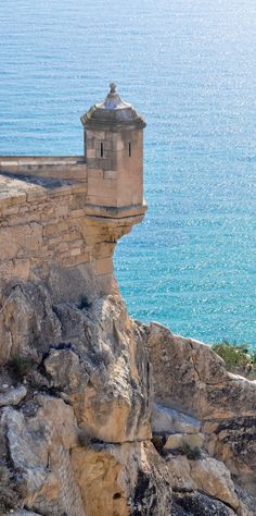 Castle of Santa Barbara, Alicante, Spain. Traveled here during our 2016 Mediterranean cruise on Holland America. Places To Travel, Places To See, Places Around The World, Around The Worlds, Cruise Europe, Monuments, Alicante Spain, Spain Travel, Travel Europe