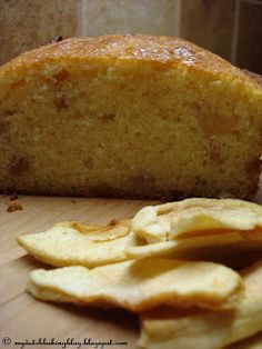 The Dutch Table: Boerencake met appel en kaneel Farmers Apple Cinnamon Cake Dehydrated Apples, Apple Cinnamon Cake, Single Layer Cakes, Dutch Apple, Dutch Recipes, Cooking Recipes, Special Recipes, Cake Batter, Different Recipes