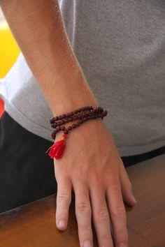 Rosewood Mala Meditation Inspired Yoga Beads by malasanmore Boho Jewelry, Beaded Jewelry, Beaded Bracelets, Mala Meditation, Spiritual Jewelry, Bijoux Diy, Bracelets For Men, Stone Beads, Jewelry Making