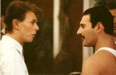 """The Isolated Vocal Track Of Freddie Mercury And David Bowie Singing """"Under Pressure"""" Is Amazing"""