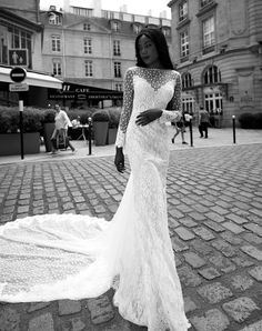 Robe de mariée 2018 de luxe en dentelle de Calais-Caudry de Veronika Jeanvie Paris