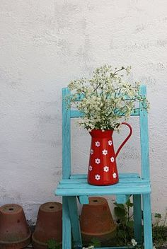 combination of red and turquoise