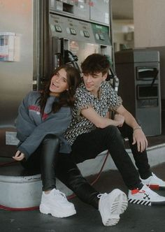 Cute Teen Couples, Cute Couples Goals, Couple Goals, Teen Couple Pictures, Couple Photos, Josh Richards, Im Jealous, Cutest Couple Ever, Insta Photo Ideas