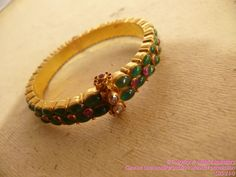 gold-bangles-collection-mehta-jewellery